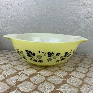 Vintage Pyrex Gooseberry 444 Cinderella Bowl